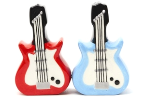 Magnetic Salt and Pepper Shaker Set (Dueling Guitars) - 4 inch