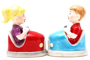 Magnetic Salt and Pepper Shaker Set (Bumper Cars) - 4 inch
